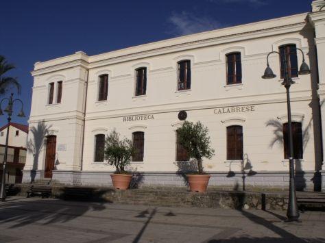 Biblioteca Calabrese - 33000 volumi