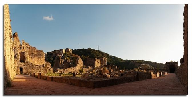 Le magnifiche rovine : fotografie del Real Convento Domenicano a Soriano Calabro